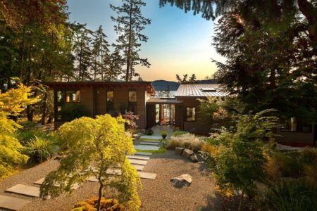 jardin et entrée - saturna-island - Colombie Britannique, Canada