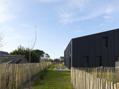 jardin terrasse - Etoile Noire par  Angélique Chedemois Architect - Guérande, France