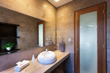 lavabo salle de bains - Applecross House par Brian Burke Homes - Perth, Australie