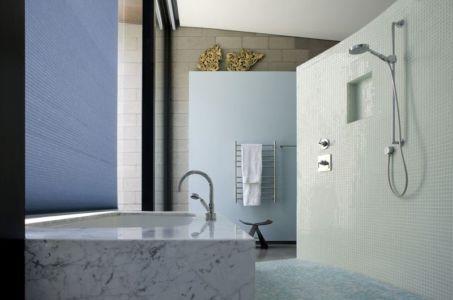 lavabo salle de bains - Mountain-Residence par Chen Suchart Studio - Arizona, USA