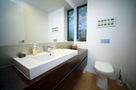 lavabo salle de bains - Porotu Bach par studio MWA - Miritu Bay, New Zealand