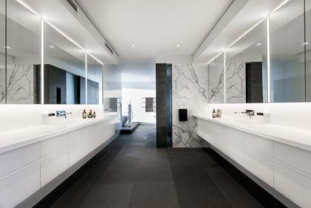 salle de bains - uneTrigg-Residence par Hiliam Architects - Trigg WA, Australie