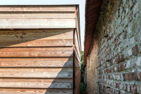 le long du mur intérieur - Maison P(c)ap(l)ill(ss)on par Guillaume Ramillien architecture - Yzeure, France - Photo Eric Pouyet