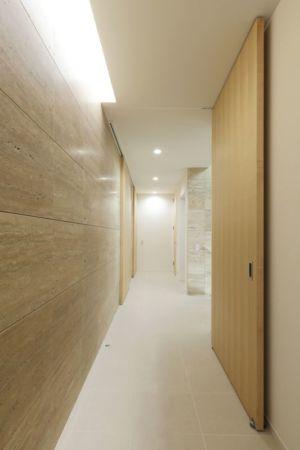 long couloir - YAM par ks-architects - Nagoya, Japon