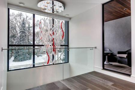 lustre design - Ashley Park House par Barroso Homes - Toronto, Canada