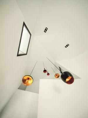 lustres escalier - maison exclusive par Mirag Arquitectura i GestiO - Ametlla, Espagne