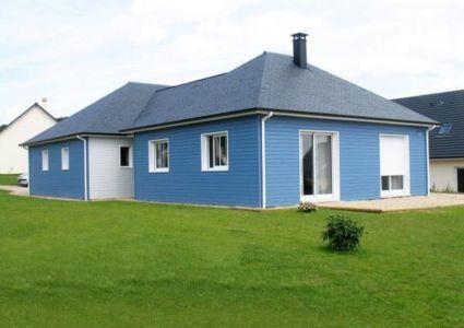 maison bois blanc-bleue par Gueudry Constructions - Normandie - France  - +d'infos