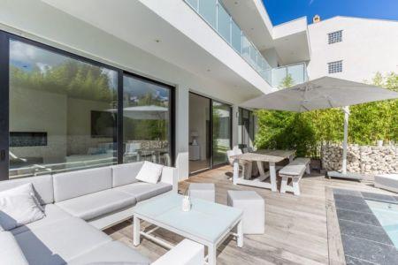 mobilier design terrasse - maison ossature bois par Groupe Futura - France