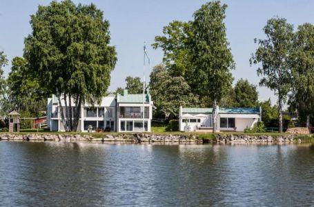 maison principale au bord de l'eau - Maison contemporaine scandinave par Boris Culjat - Suède.jpg