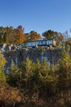 maison sur rocher - hawks nest par wiedemann architects - Usa