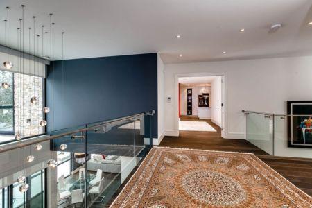 mezzanine - Ashley Park House par Barroso Homes - Toronto, Canada