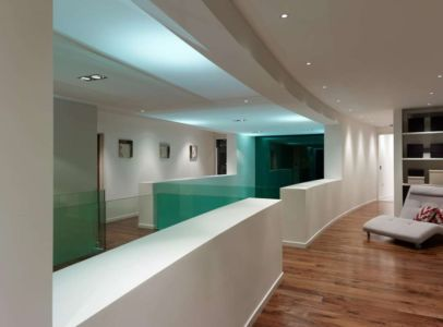 mezzanine - Cherry Orchard par Western Design Architects - Branksome, Royaume Uni