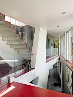 mezzanine et escaliers - Sayres House and Hanging Gardens par Maziar Behrooz Architecture - East Hampton, Usa