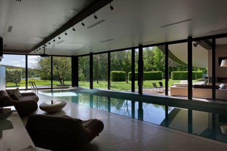 mini salon & piscine intérieure - House-Kharkiv par Sbm studio - Kharkiv, Ukraine