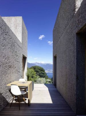 mini terrasse - House in Brissago par Wespi de Meuron Romeo architects - Brissago, Suisse
