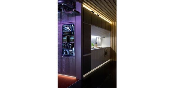 module contrôle & cuisine - Spaceship Home par Noem Spaceship - Madrid, Espagne