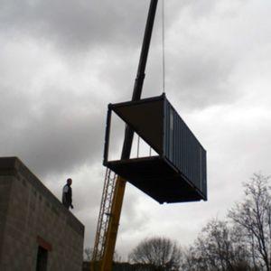 montage container - maison Pegasus par Saint-Cricq architecte - Toulouse, France