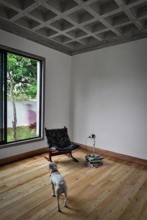 odd-house-Equateur-salon-partie-studio.jpg