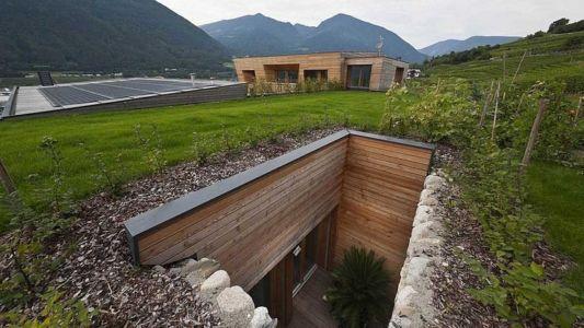 ouverture dans terrain - Brunner House par Norbert Dalsass - Italie