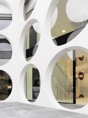 ouvertures circulaires - o-house par Philippe Stuebi - Lucerne, Suisse