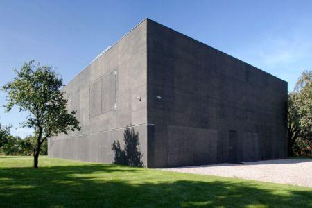 ouvertures hermétiquement closes - safe-house par Robert Konieczny – KWK Promes - Varsovie, Pologne