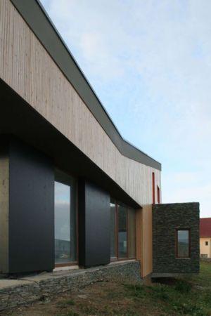 ouvertures vitrées - Hajdo-House par Blipsz Architecture - Odorheiu Secuiesc, Roumanie