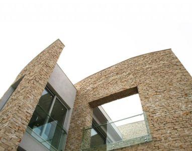 ouvertures vitrées étage - Vila-Stoliv par Enforma Architectural Studio - Montenegro