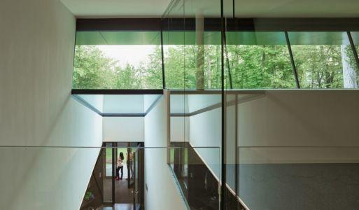 ouvertures vitrées étage supérieur - House-GT par Archinauten - Linz, Autriche