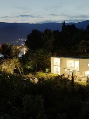 panorama de nuit - Maison Le Cap par Pascal Grasso - Var, France