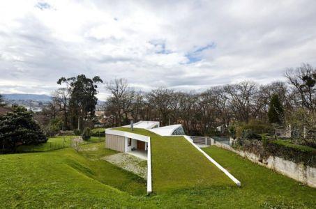 panorama et toiture - Maison et atelier d'artiste par Miba architects - Gijón, Espagne