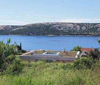 panorama et toiture végétalisée - Olive House par LOG-URBIS - Pag, Croatie