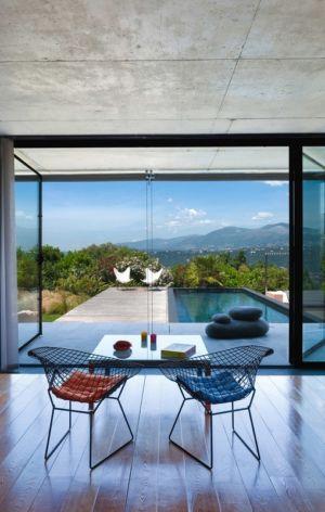 panorama sur piscine et les Alpes - Villa Nalu par Pascal Goujon - Alpes-Maritimes, France