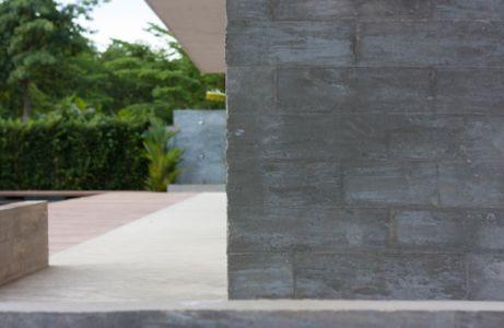 paroi extérieure - Swiss family house par Architectkidd - Bang Saray, Thaïlande