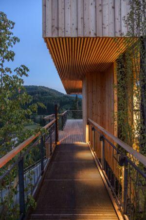 passerelle entrée - Deluxe Mountain Chalets par Viereck Architects - Styria, Autriche