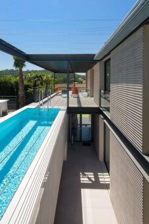 patio et piscine - maison H3 - villa-contemporaine par Vincent Coste Architectes - St-Tropez - Photo Florent Joliot