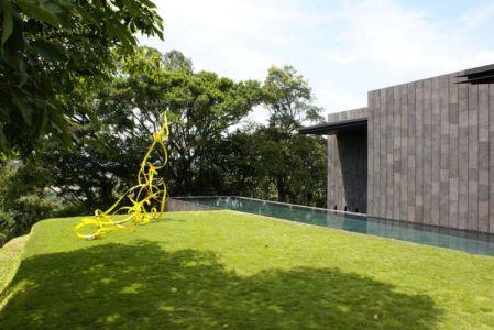 pelouse & piscine - casa-altamira par Joan Puigcorbé - Ciudadd Colon, Costa Rica