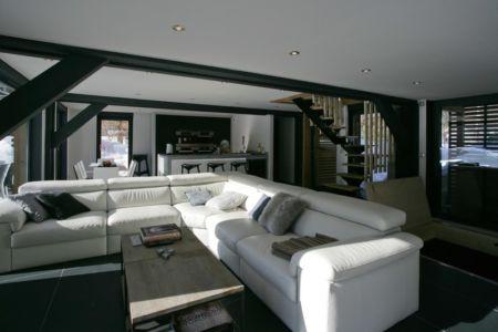 pièce de vie - Chalet Piolet par Chevallier Architectes - Chamonix, France