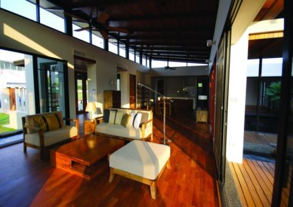 pièce de vie - Nature House par JUNSEKINO Architect - Changwattana, Bangkok, Thaïlande