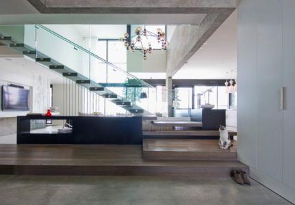 pièce de vie - The Groveland House par Mcleod Bovell - Vancouver, Canada