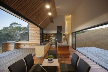 pièce de vie - Valley House par Philip M Dingemanse - Launceston, Australie