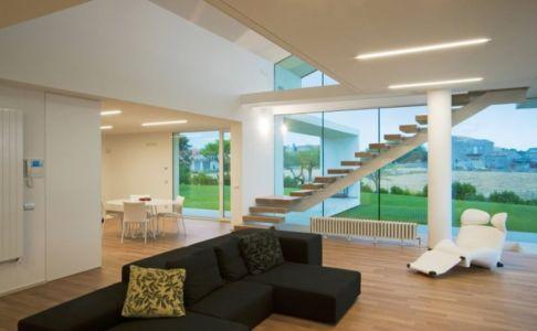 pièce de vie - Villa T by Architrend Architecture - Ragusa, Sicile, Italie