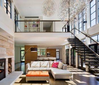 pièce de vie & escalier bois accès étage - Milan-Hill-House par Studio Marchetti - New York, USA