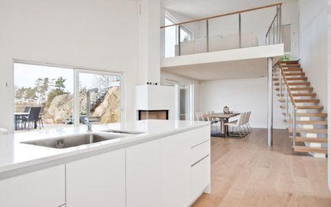 pièce de vie, escalier, mezzanine - villa Skipas par Tengbom - Halmstad, Suède