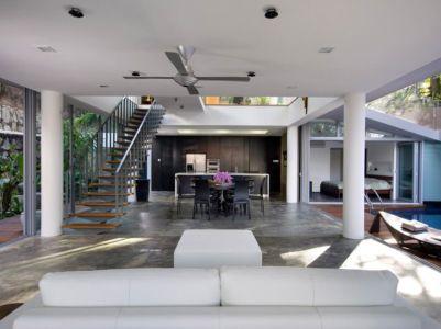 pièce de vie totalement ouverte - Home-Walls par Mink Architects - Singapour