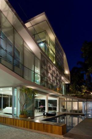 pièce de vie totalement ouverte & piscine - Home-Walls par Mink Architects - Singapour