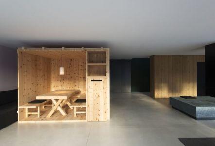 pièce privée bois - Structure-Slope par Bergmeister Wolf Architekten - Bozen, Italie