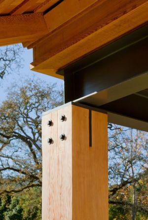 pilier bois et poutre acier IPN - Mountain Wood Residence par Walker Warner Architects -Woodside, Usa