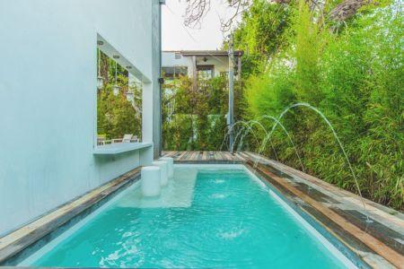 piscine - Angular-Lines par Amit Apel - Los Angeles, USA