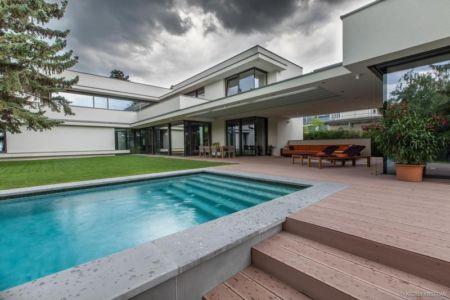 piscine - Reviving Mies par Architéma - Buda Hills, Hongrie