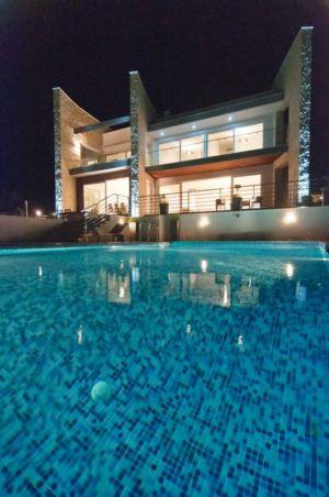 piscine - Vila-Stoliv par Enforma Architectural Studio - Montenegro
